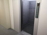 館内エレベーター 中野南台店|トランクルーム東京