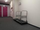 館内台車を使って重い荷物もラクラク持ち運び 善福寺店|トランクルーム東京